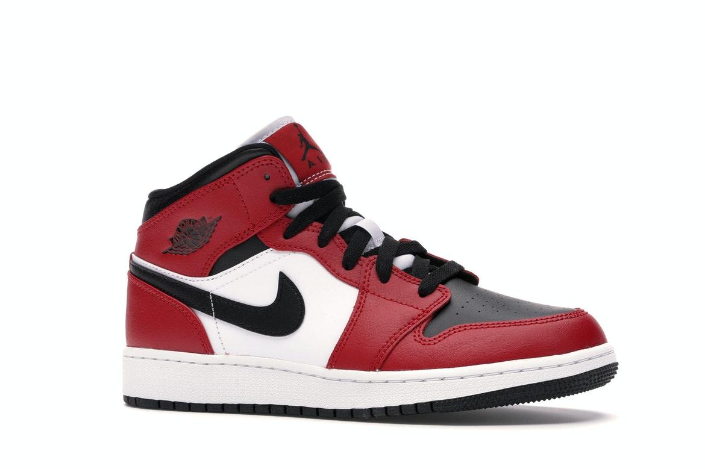 Jordan 1 Mid Chicago Black Toe (GS) - 554725-069