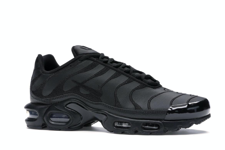Nike Air Max Plus Triple Black Leather