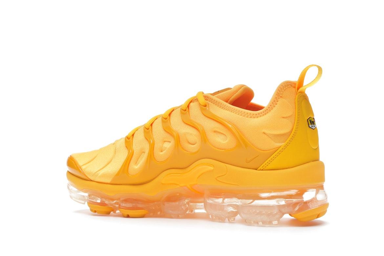 air vapormax plus arancioni